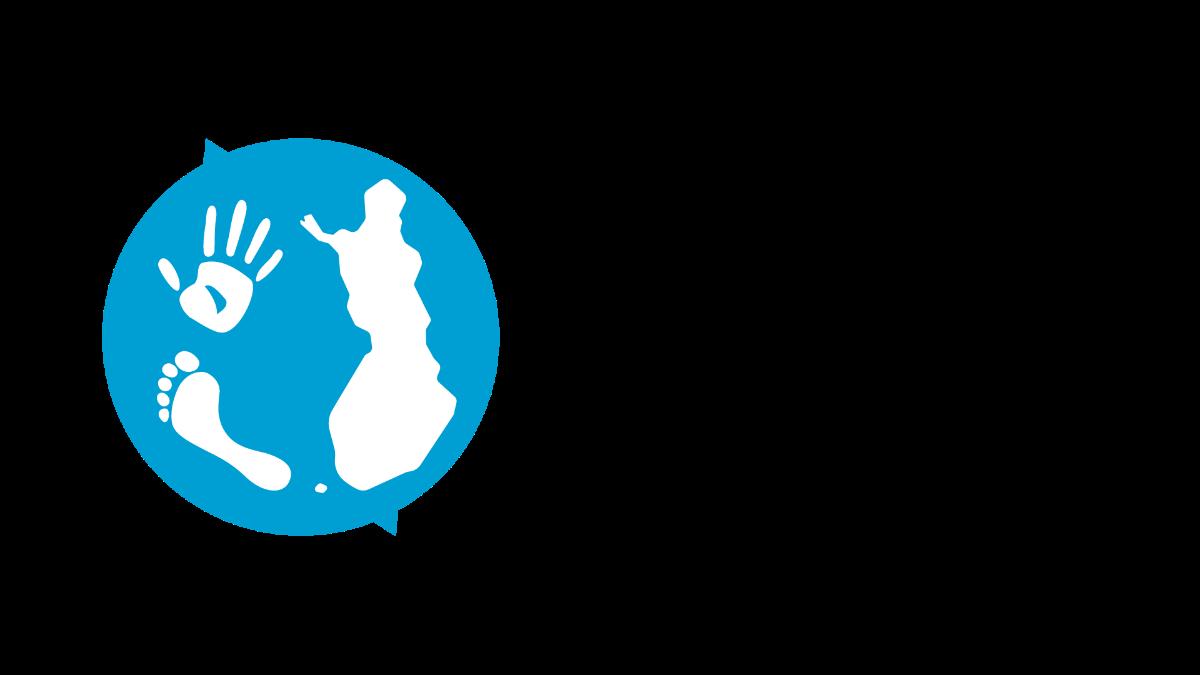 Kestävän kehityksen toimikunnan logo, jossa kuvataan Suomi, jalankälki ja kädenjälki